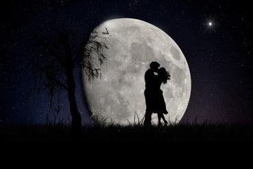 moon-2106892_960_720