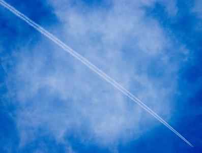 aircraft-1836360_960_720