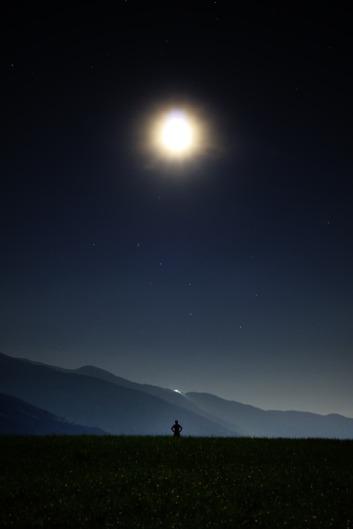night-913046_960_720